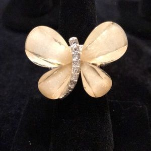 Beautiful Butterfly with Crystals Stretch Ring